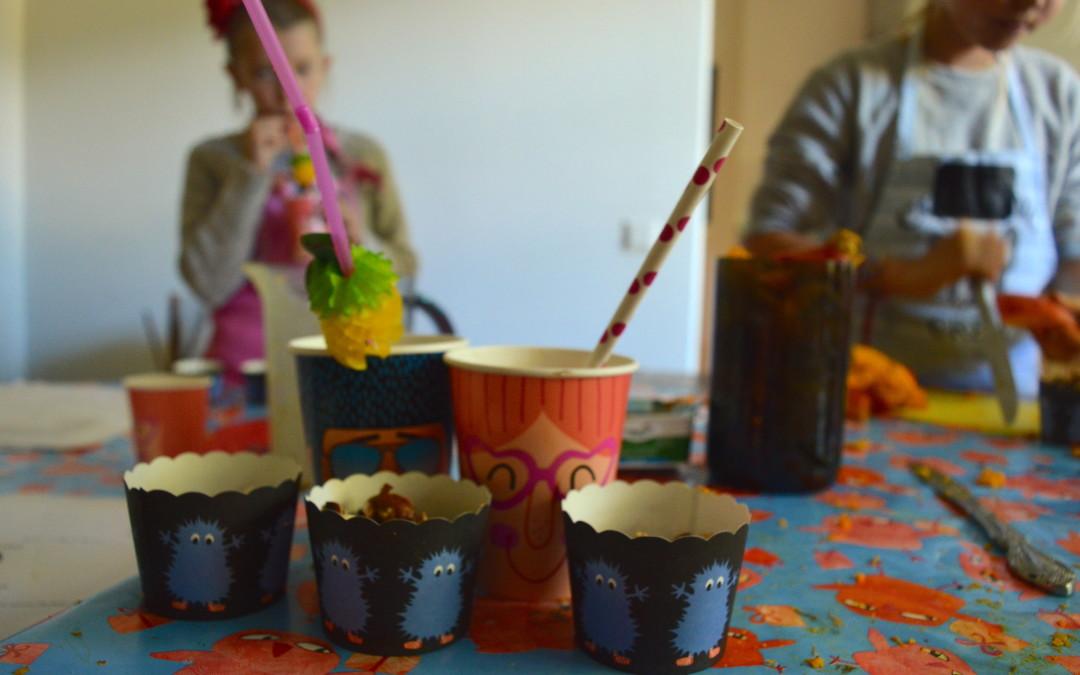 Bērni gatavo: ķirbju pīrāga kokteilis, grauzdētas dārza pupiņas un sapucētie āboli