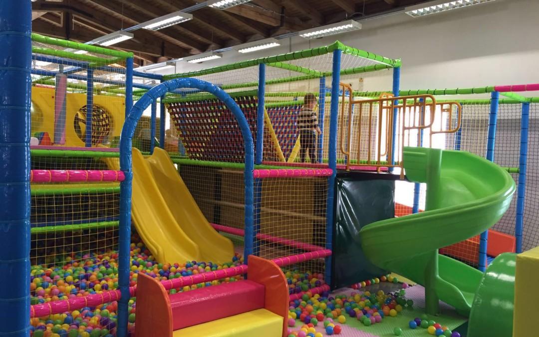 Rotaļu vietas mazākajiem (iekštelpās)