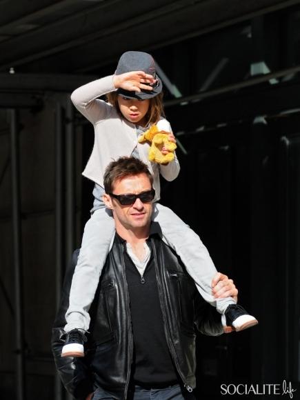 celebrities-carrying-kids-10252012-161-435x580