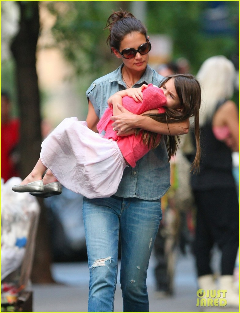 Katie Holmes And Daughter Suri Out And About In New York