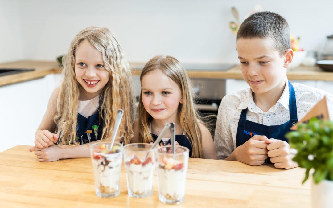 Bērni gatavo : biezpiena deserts